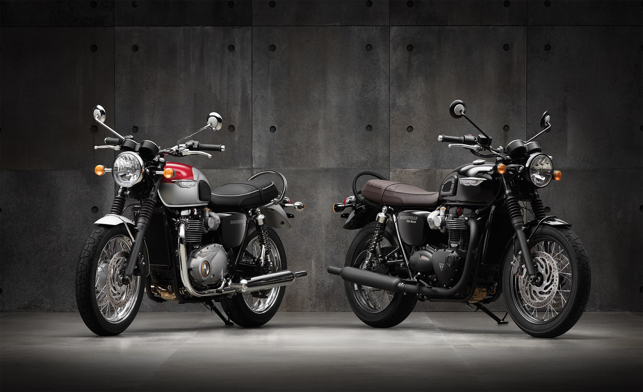 Triumph Bonneville T120 and Bonneville T120 Black
